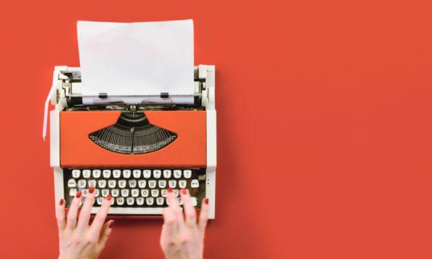 Bliv anerkendt med redaktionel kernefortælling og identitet