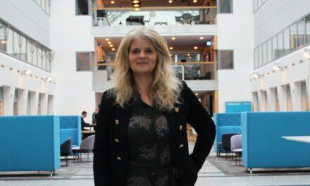 """CMO Stine Sander, PostNord: """"Sådan vinder vi low-involvement forbrugernes gunst"""""""